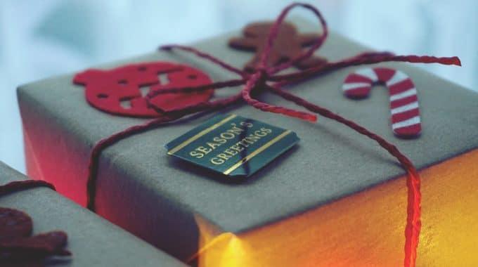 4 raisons d'offrir des cadeaux personnalisés à ses employés